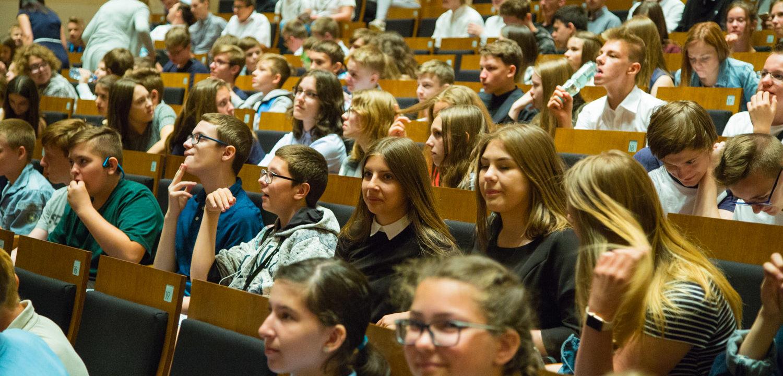 """VI Konferencja Młodzieży """"Wakacje bez zagrożeń"""" 2018"""